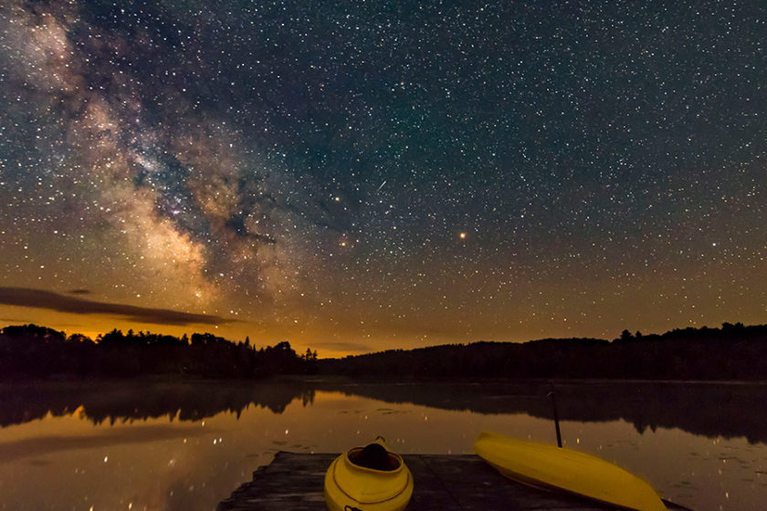 kayaks-and-milky-way